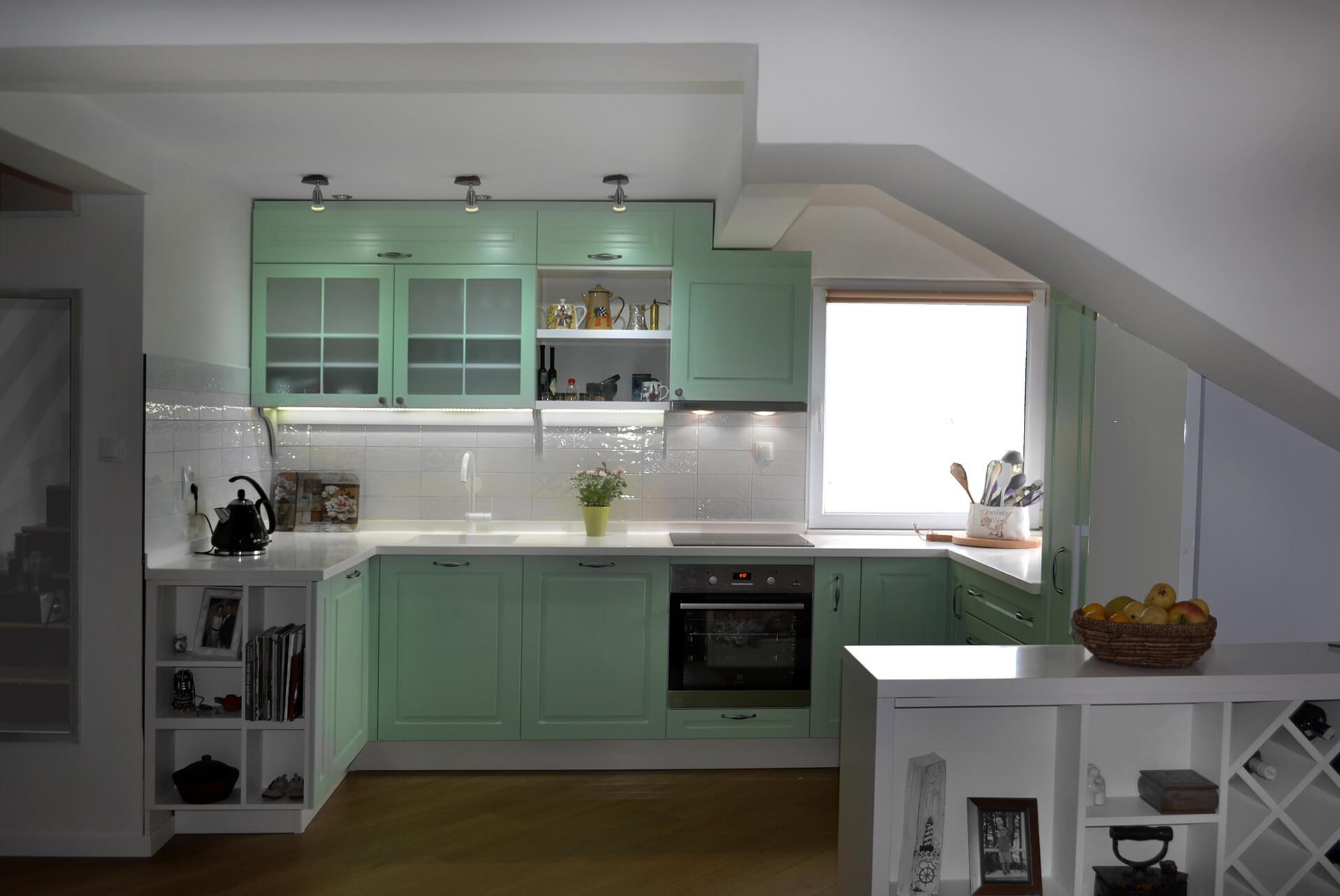 nova-ambienta-kuhinje-kuhinja od lakiranog medijapana-5