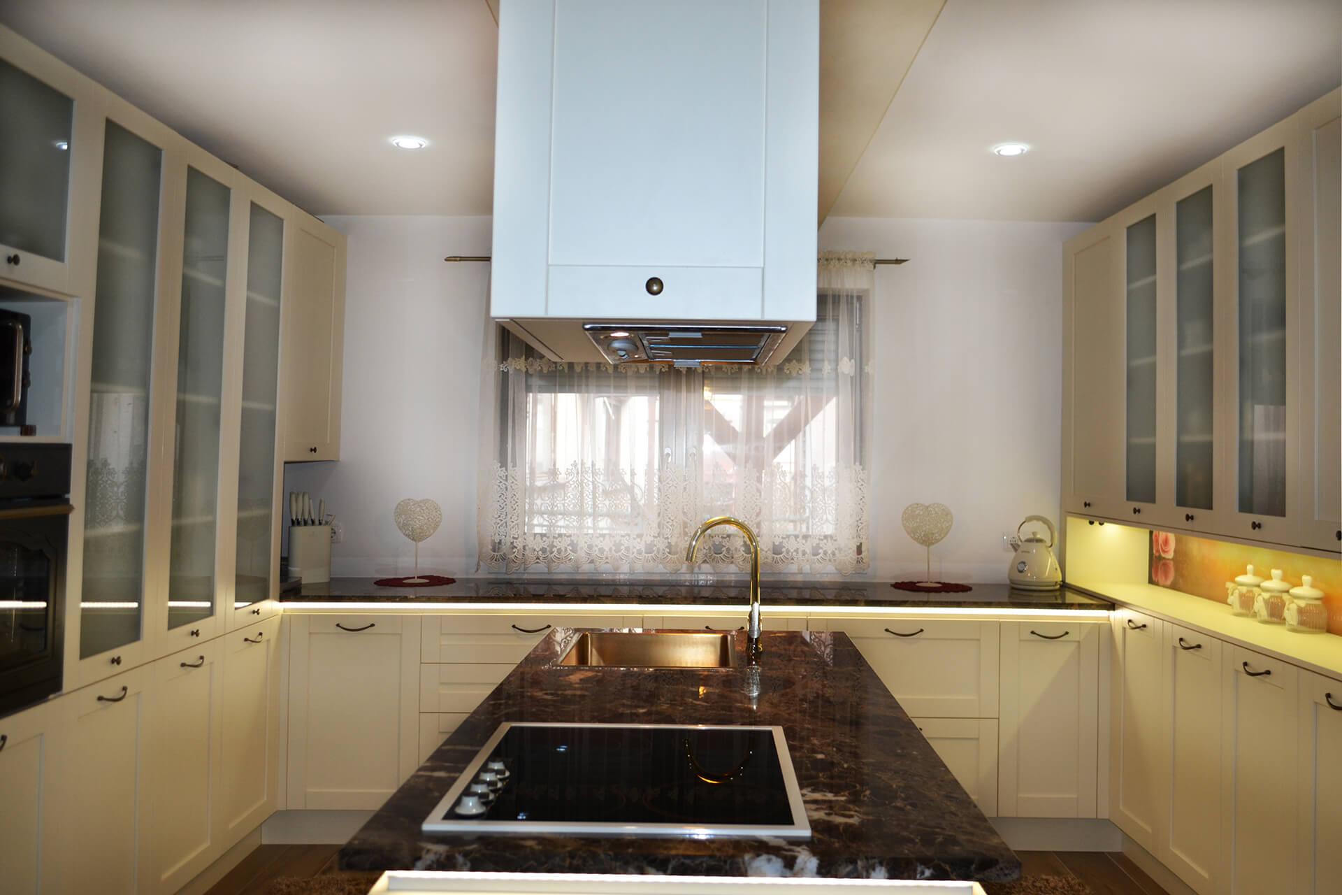 nova-ambienta-kuhinje-kuhinja od oplemenjenog iverala-4